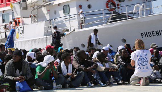 Talyaaniga oo Badda Mediterranean-ka kasoo saaraya 800 Oo Tahriibayaal ku harqamay Badda